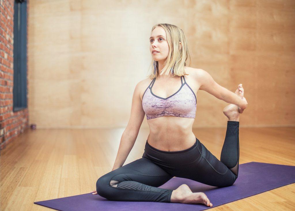 ejercicios de pilates suelo para principiantes