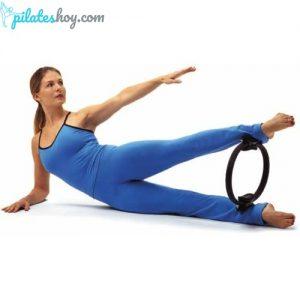 ejercicios con aro de pilates para piernas