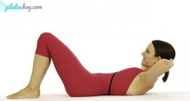 ejercicios de pilates para la espalda chest lift