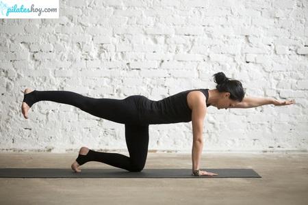 ejercicios de pilates para la espalda superman
