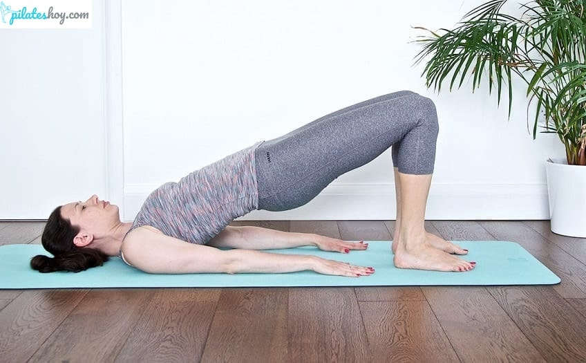 shoulder bridge pilates ejercicio